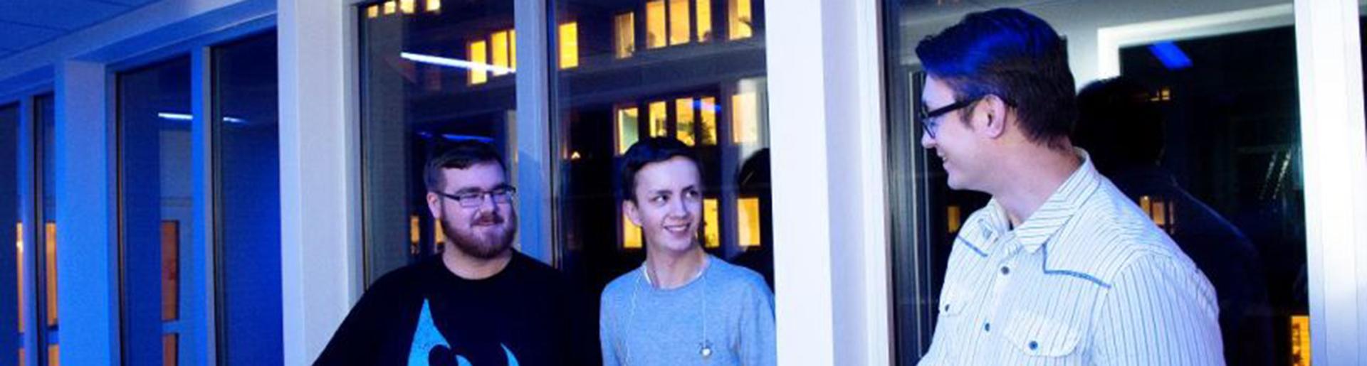 Tre av webbhjältarna